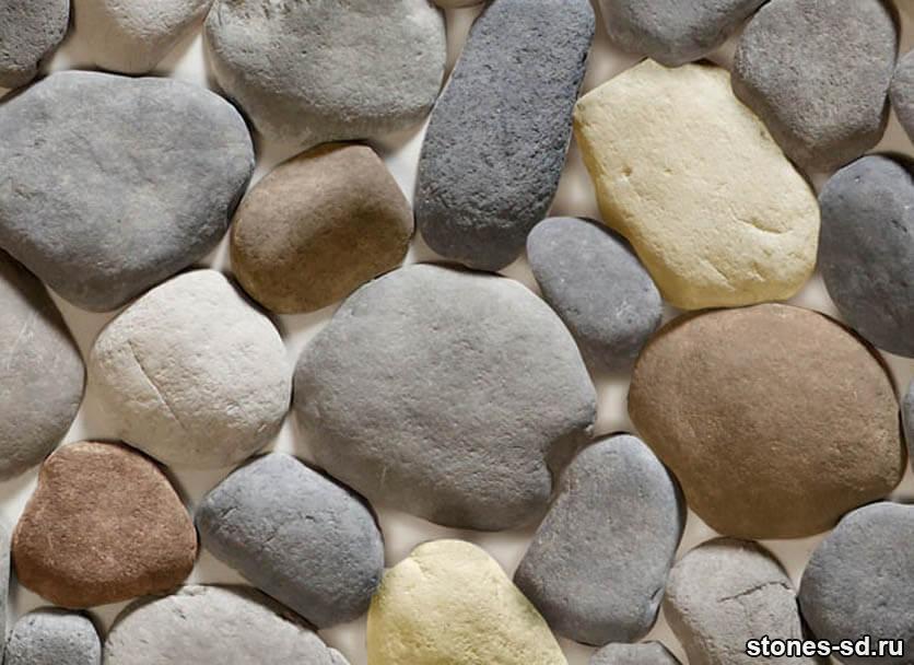 Декоративный камень Алтайский окатыш светло-бежевый микс